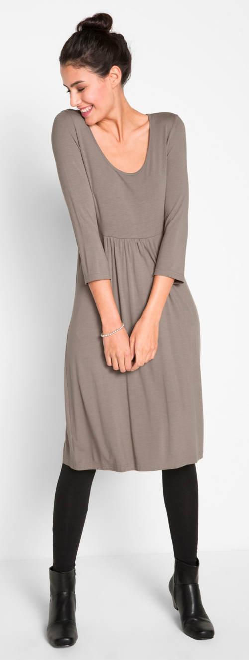 Levné dámské šaty pro plnoštíhlé