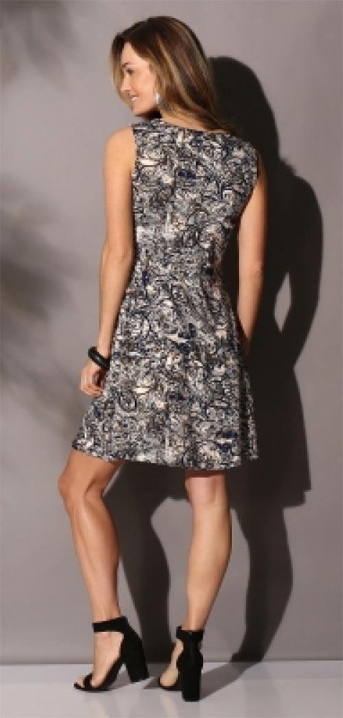 Letní šaty ke kolenům