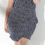 Pouzdrové šaty se zavinovacím efektem