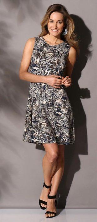 Úpletové šaty s potiskem až do velikosti 54