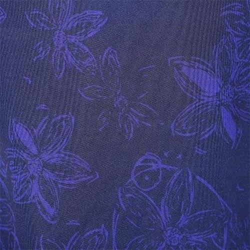 Modrý květinový vzor
