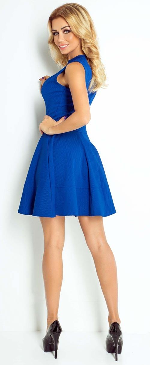 modre-saty-s-narasenou-sukni