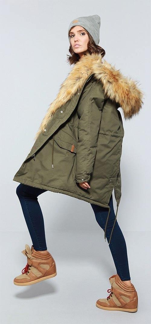 Dámská zimní bunda s huňatým kožíškem