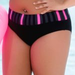 Plavky s mírně vykrojenými nohavičkami