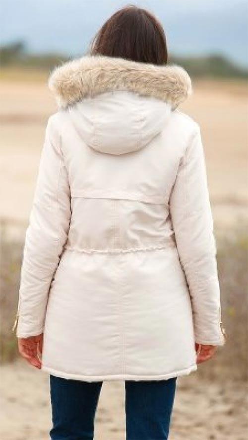Bílá zimní bunda s kapucí