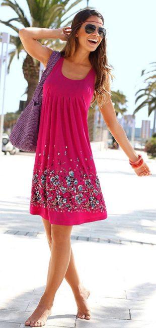 Plážové šaty s květinovým potiskem