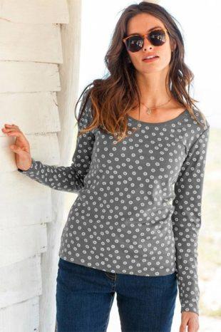 Puntíkované dámské tričko s dlouhými rukávy