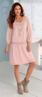 Šaty s macramé náprsenkou pro milovnice retro módy