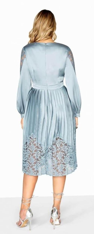 Luxusní šaty se skládanou sukní