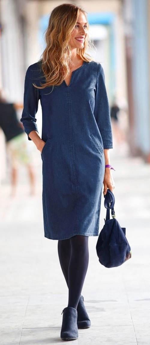 Riflové šaty pro plnoštíhlé