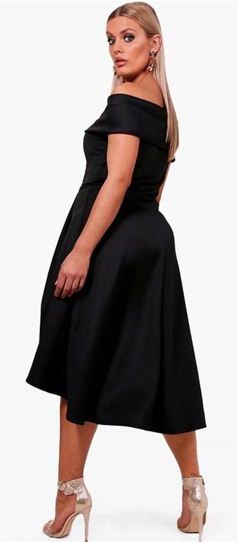Černé nadměrné společenské šaty
