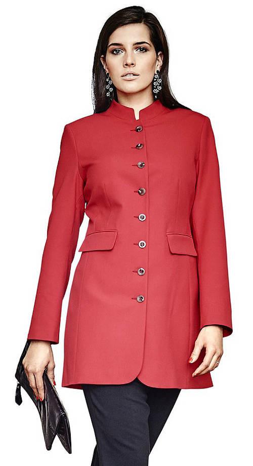 Červený kabátek pro plnoštíhlé