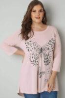 Dámské nadměrné růžové tričko s potiskem motýlů