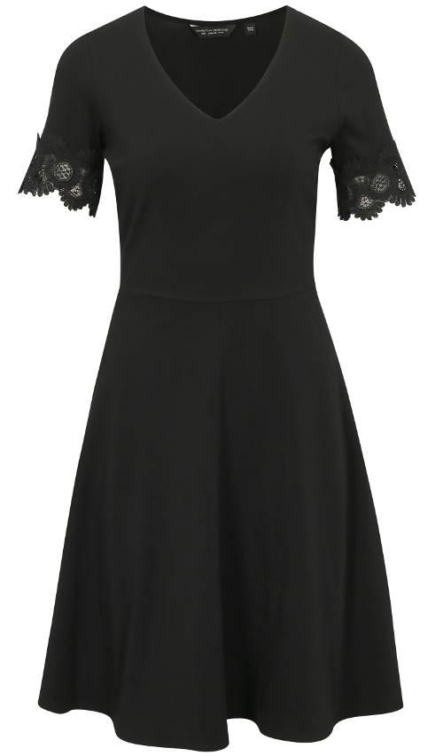 Černé šaty silnější postavy s krátkým rukávem