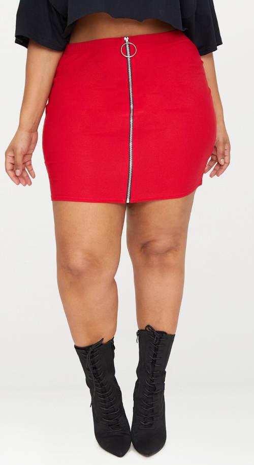 Krátká sukně pro širší stehna