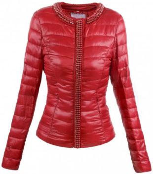 Červená vypasovaná dámská zimní bunda
