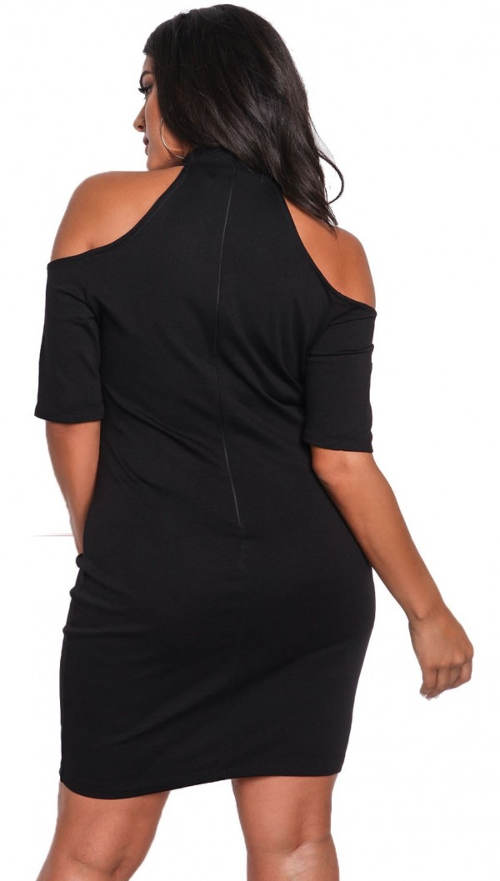 Černé krátké šaty větší zadek