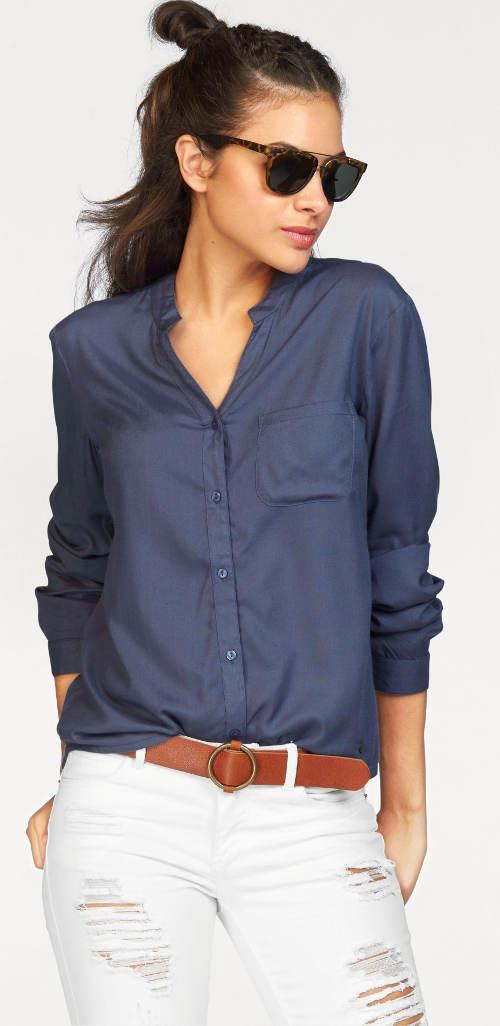 Moderní modrá dámská košile