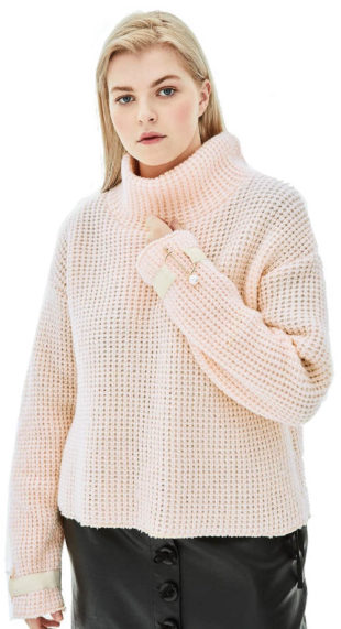 Světle růžový pletený svetr pro plnoštíhlé