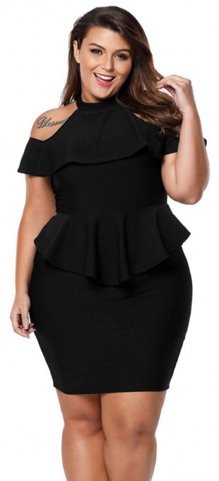 Černé plesové volánkové šaty pro plnoštíhlé