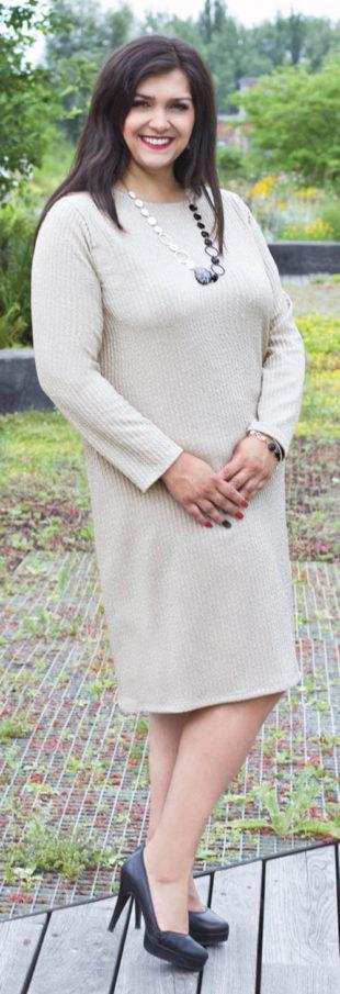 České úpletové šaty pro plnoštíhlé