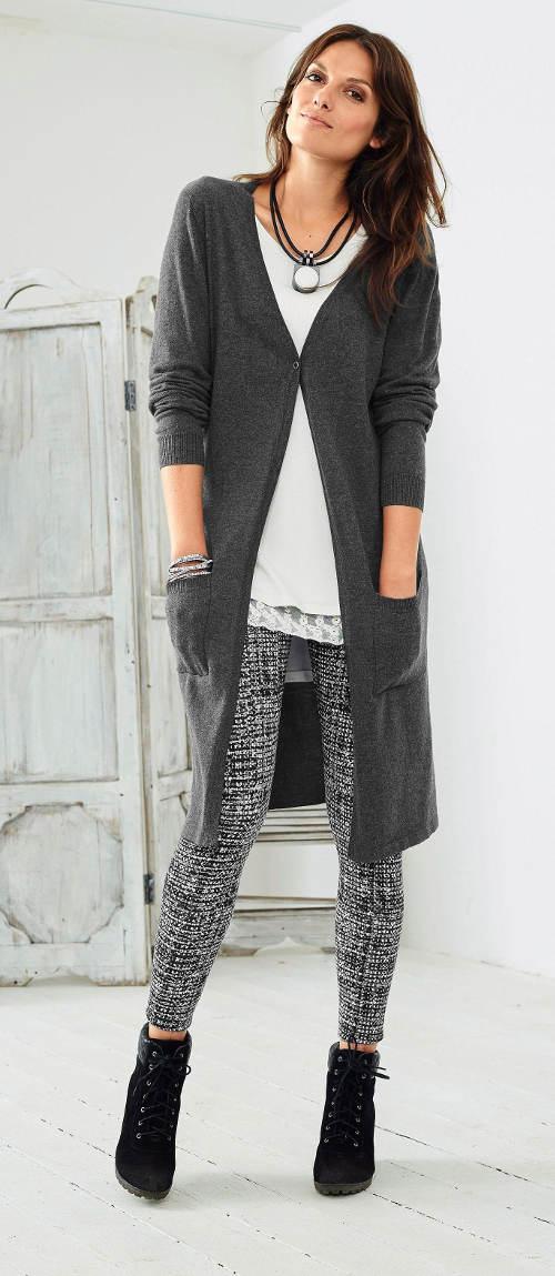 Dlouhý pletený dámský svetr
