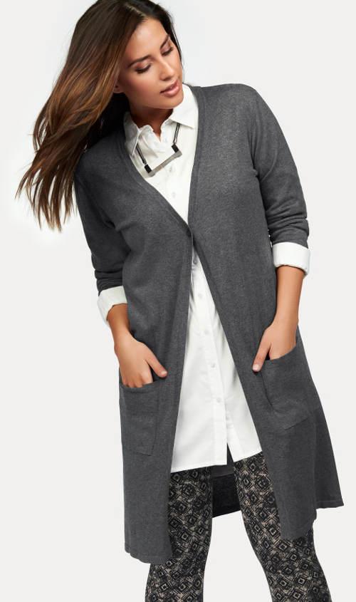 Dlouhý šedý svetr na jeden knoflík