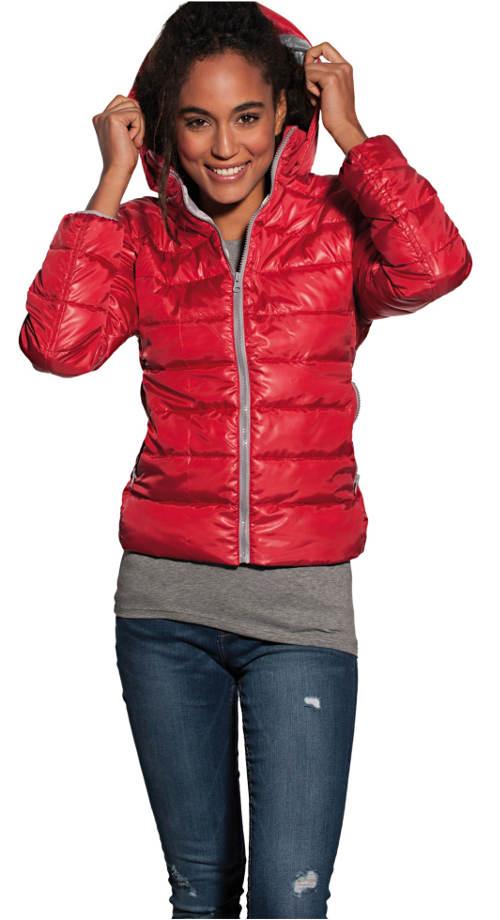 Krátká podzimní prošívaná bunda s kapucí