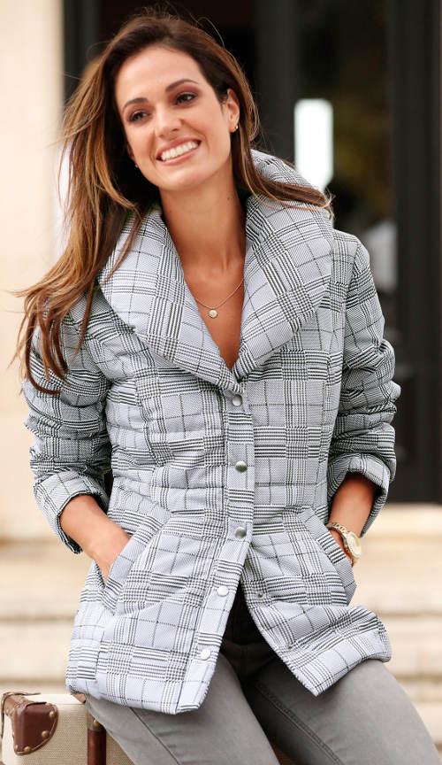 Lehčí šedá dámská zimní bunda