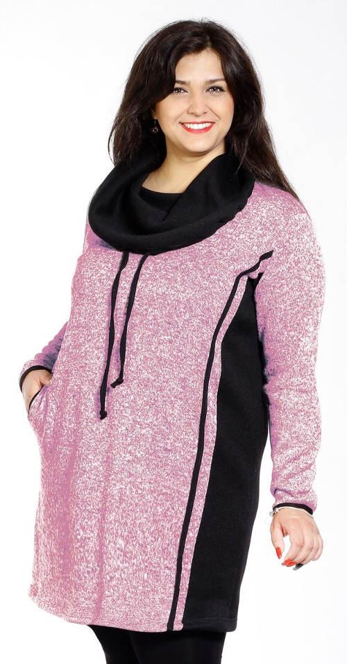 Růžové sportovní zimní šaty
