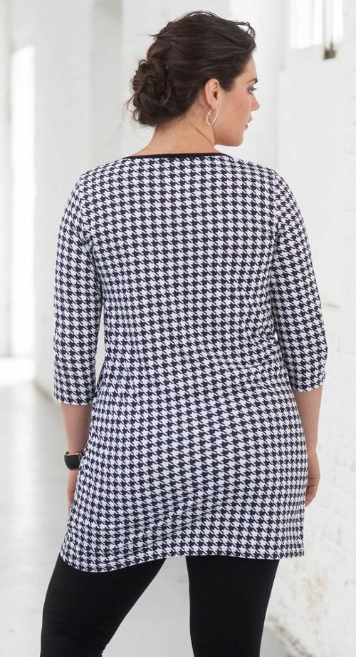 Černobílé delší dámské tričko