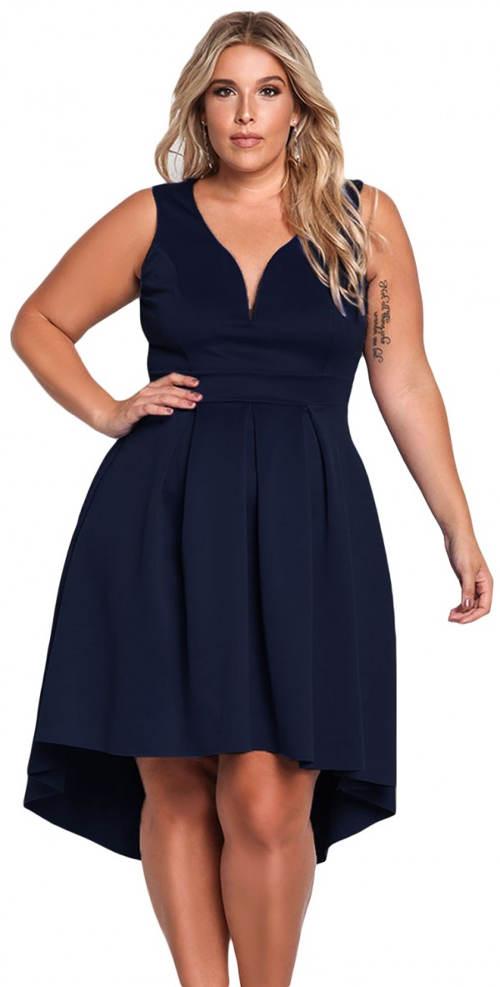 Modré večerní šaty pro plnoštíhlé