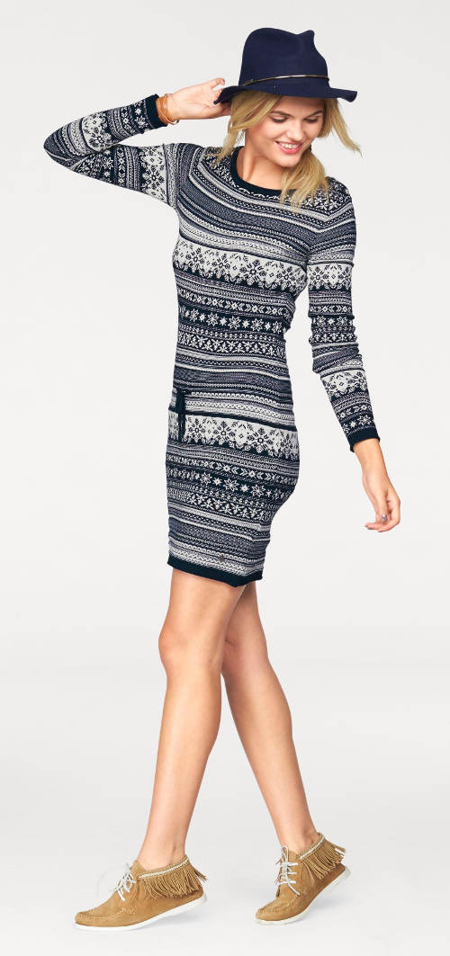 Vánoční šaty s norským vzorem