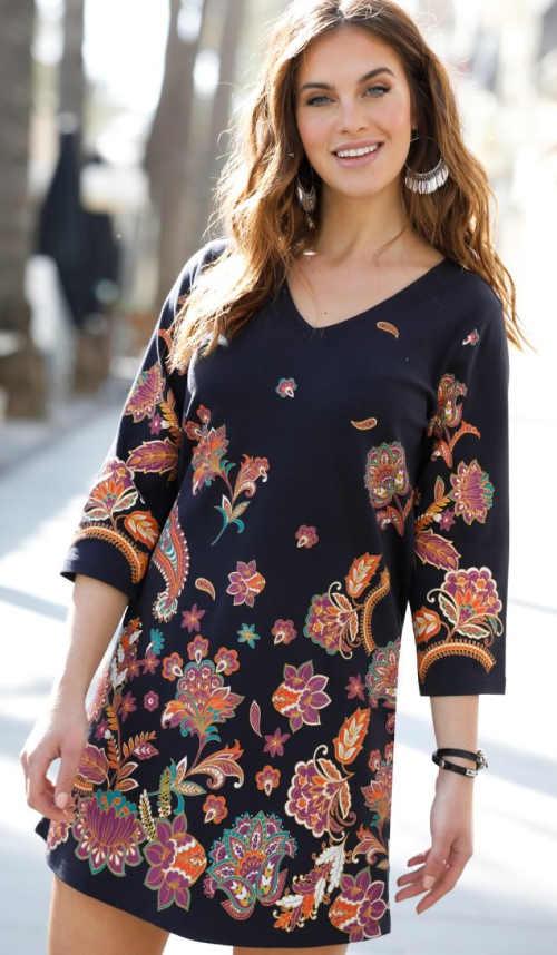 Černé dámské šaty s květinovým potiskem