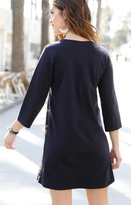 Kratší černé volné šaty