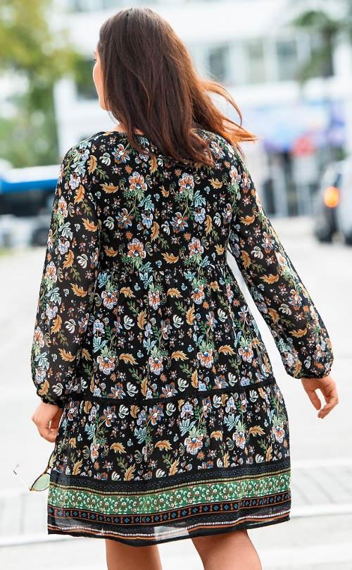 Květinové boho šaty pro plnoštíhlé