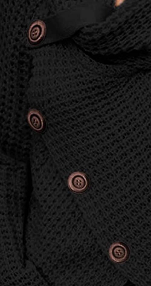 Pletený svetr s velkými knoflíky