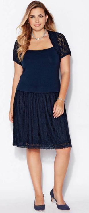 Moderní krajková sukně pro plnoštíhlé