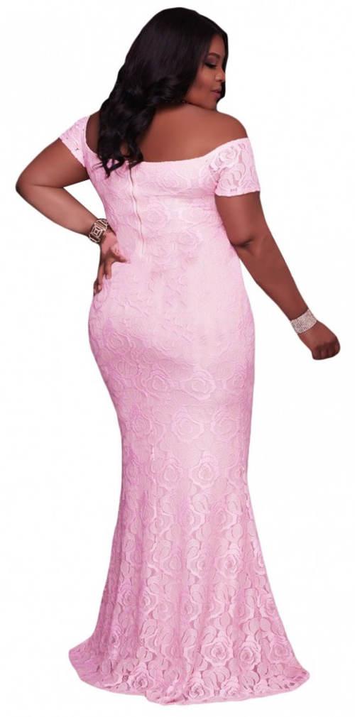 Princeznovské růžové šaty pro plnoštíhlé