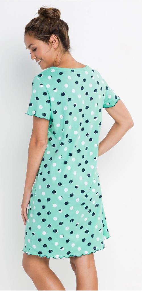 Světle modrá noční košile s puntíky