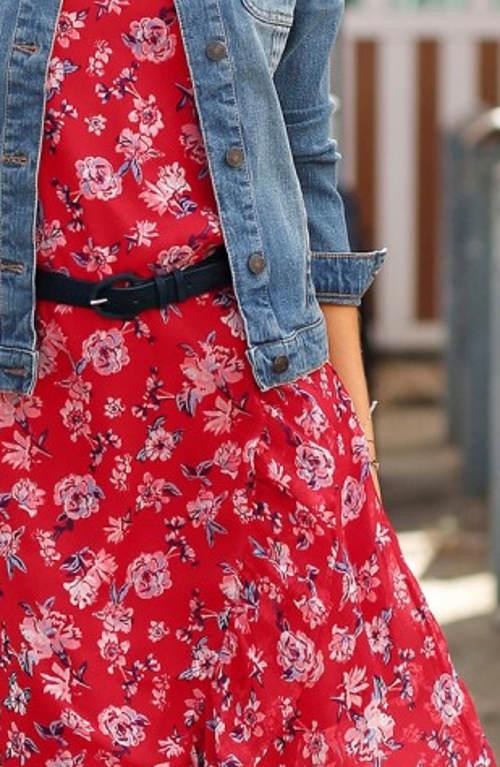 Lehounké červené květinové šaty