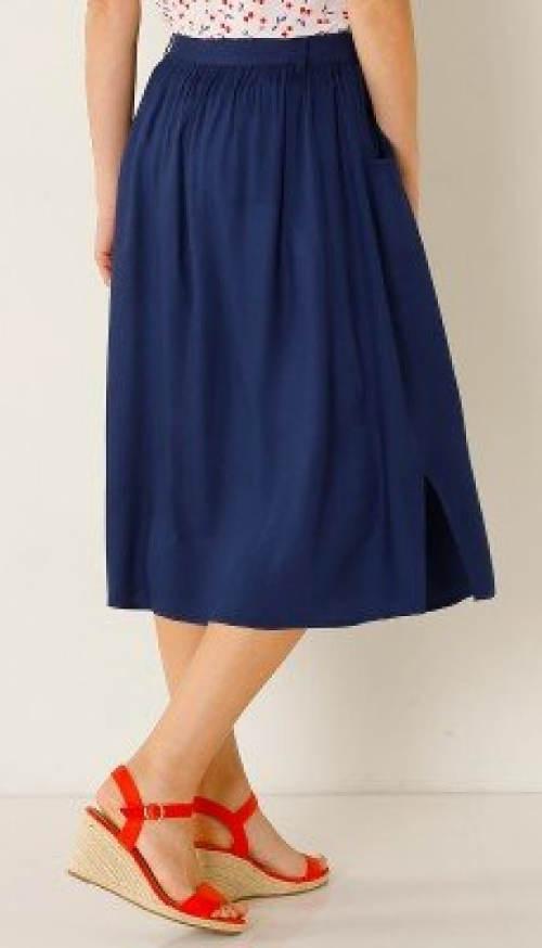 Delší letní modrá sukně