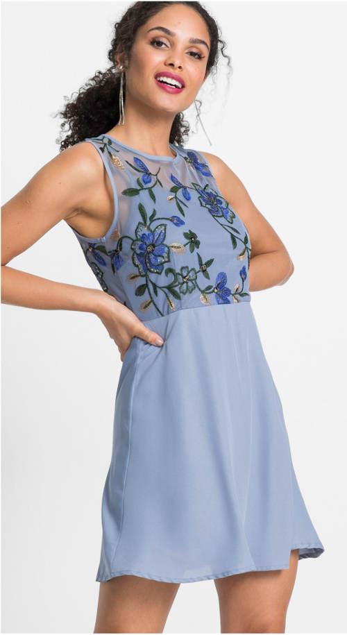 Vyšívané letní šaty