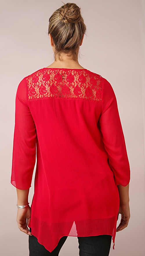 Červená šifónová halenka s krajkou na zádech