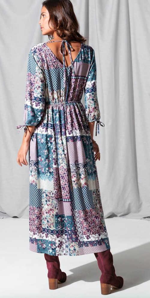 Dlouhé dámské šaty se zavazovací šňůrkou za krkem