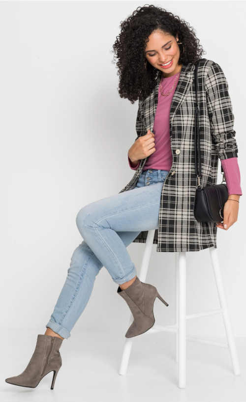 Nadčasový podzimní dámský kabátek nadměrných  velikostí