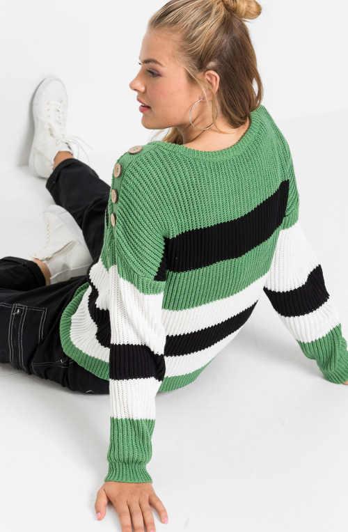 Pruhovaný dámský svetr pro plnoštíhlé