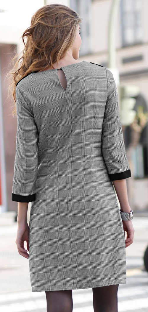 Zlevněné šedé dámské šaty s tříčtvrtečními rukávy