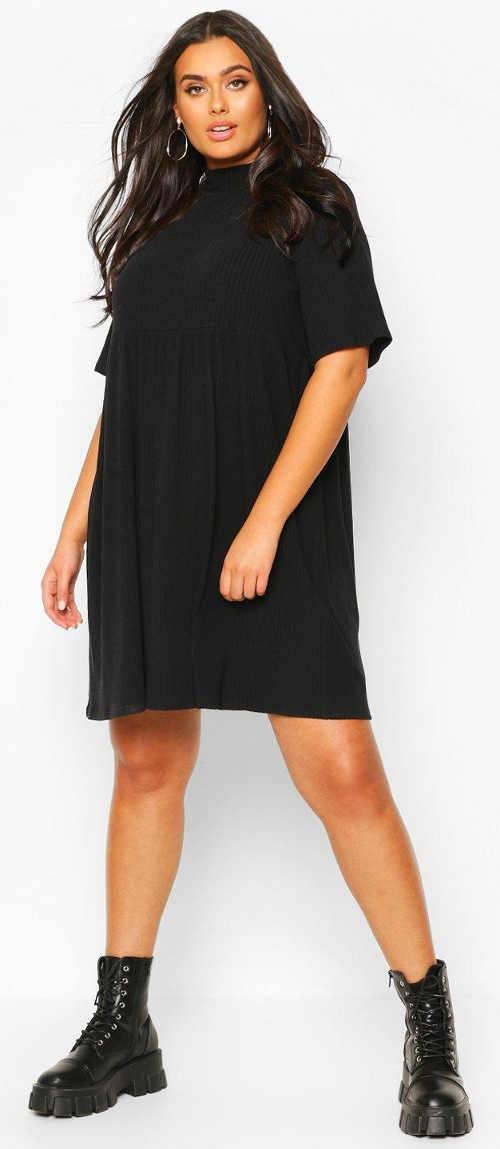 Volné černé úpletové šaty pro plnoštíhlé
