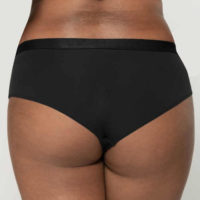 Černé francouzské kalhotky pro silnější postavy